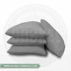 Set von 4 grauem Cornhole-Säckchen mit Maiskörnern gefüllt!